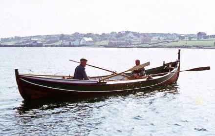båter r  -2