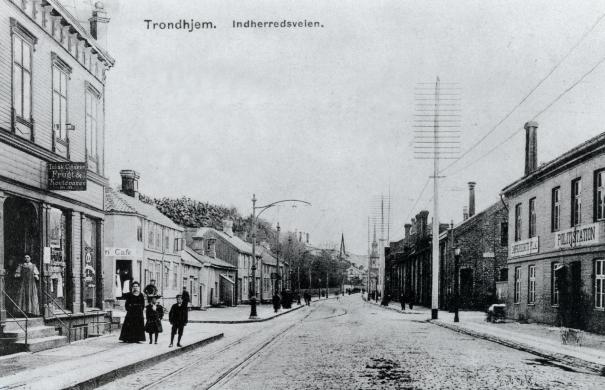 Innherredsveien med Gråmølna (ca 1909)
