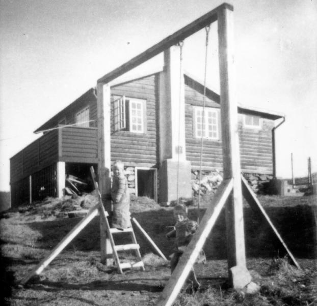 1952r-17