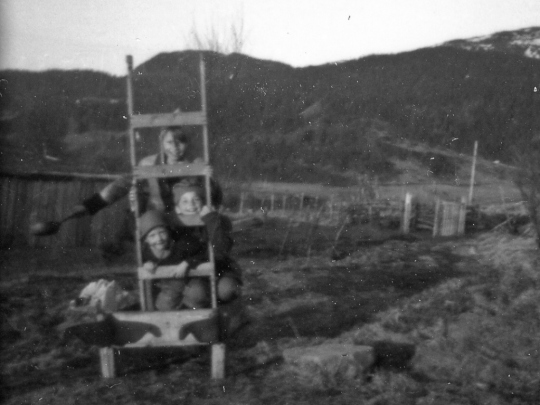1952r-19